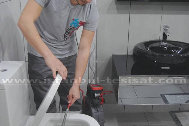 tuvalet-lavabo-tikanmasi-kirmadan-acilir