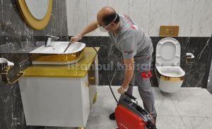 lavabo tıkanıklığı açan su tesisatçısı